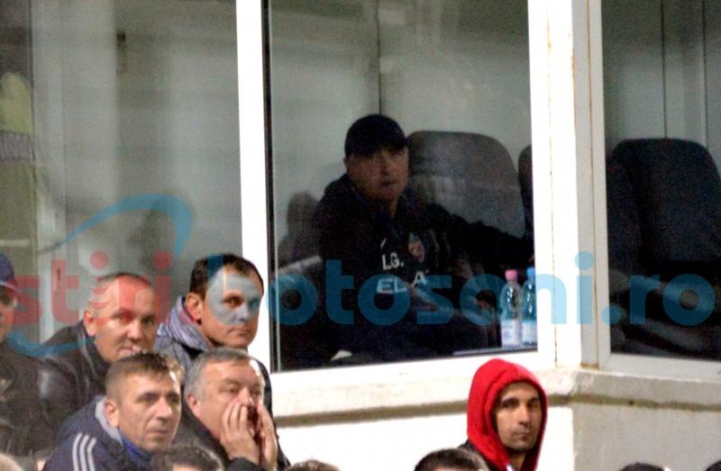 """Grozavu a urmarit meciul de la tribuna oficiala si a dat indicatii prin telefon: """"Nu a rezistat"""""""