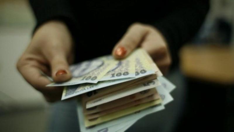 Guvernul a decis! Cine va primi 15% la salariu din această lună