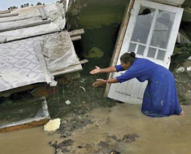Guvernul nu mai ofera ajutor celor care raman sa locuiasca pe vechile amplasamente