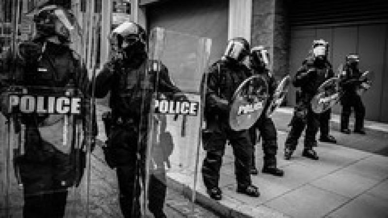 Guvernul s-a răzgândit: Jignirea unui polițist aflat la datorie nu va fi pedepsită cu închisoarea