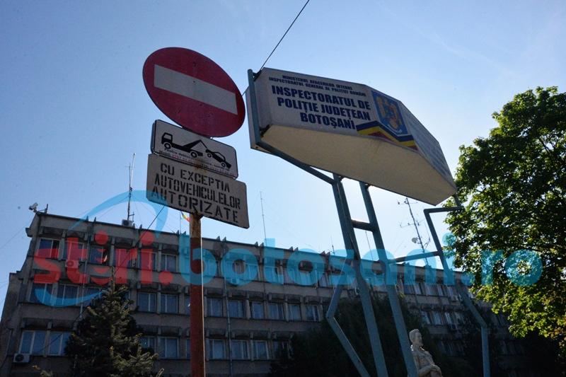 """Haina de poliţist obligă: Instanţa vrea pedeapsă """"serioasă"""" pentru poliţistul care a folosit un permis de conducere fals!"""