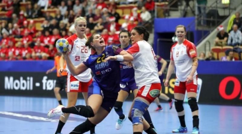 HANDBAL: România pierde în fața Danemarcei, 17-21, și ratează calificarea în semifinale!