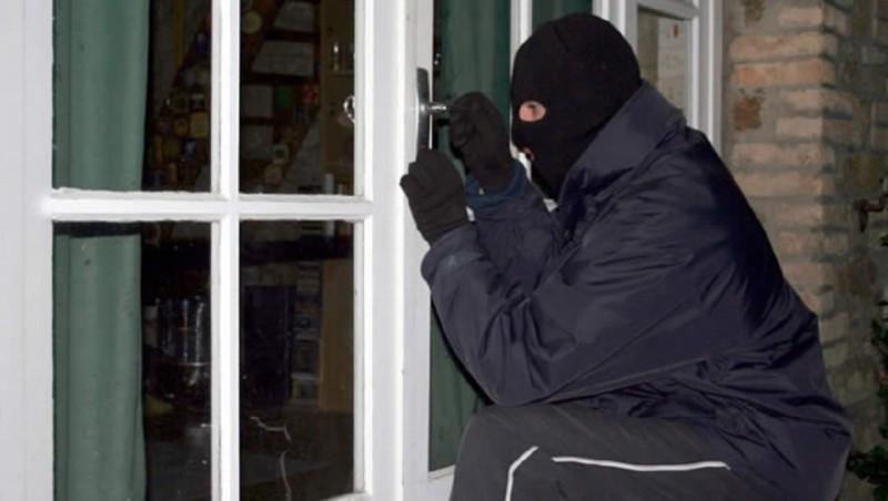Hoţi constănţeni condamnaţi după furturi în judeţ