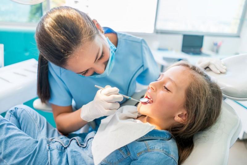 Igiena orală, încă o necunoscută pentru mulți botoșăneni. DSP pregătește un proiect-pilot pentru copii
