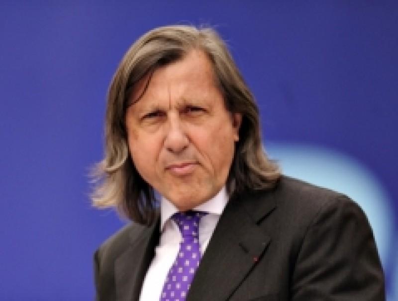 Ilie Nastase, amendat pentru declaratiile despre expulzarea tiganilor