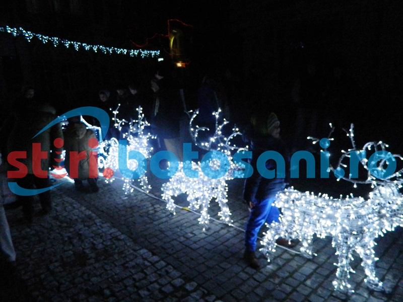 Iluminat de zeci de mii de euro, de sărbători, pe străzile din Botoșani