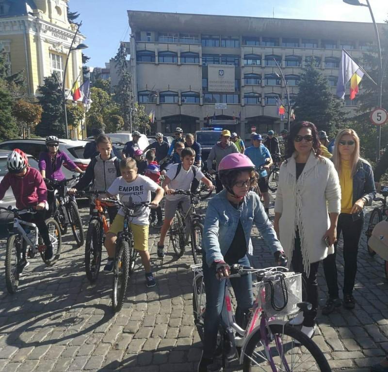 Imaginea zilei: bicicletele au acaparat centrul orașului, de Ziua Mondială fără mașini