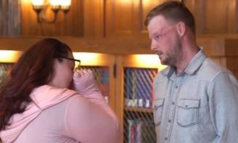 Imaginea zilei: Momentul in care o vaduva se intalneste cu cel caruia i s-a transplantat fata sotului ei