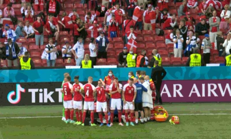 Imagini de coșmar la EURO 2020. Danezul Christian Eriksen și-a pierdut cunoștința pe teren