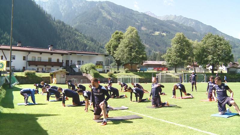 "Imagini de la antrenamentul FC Botosani din Austria! Grozavu s-a bagat si el ""la treaba"" - VIDEO"