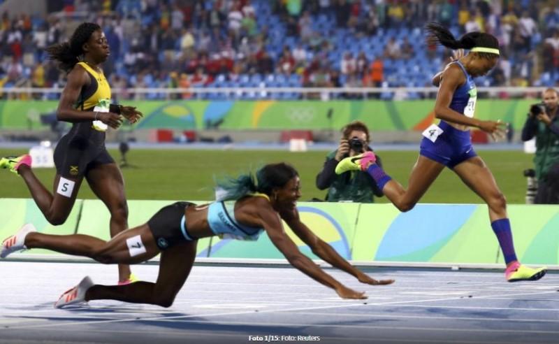 Imaginile care au făcut înconjurul lumii! A câștigat aurul la JO după ce s-a aruncat pe burtă la linia de finish - FOTO