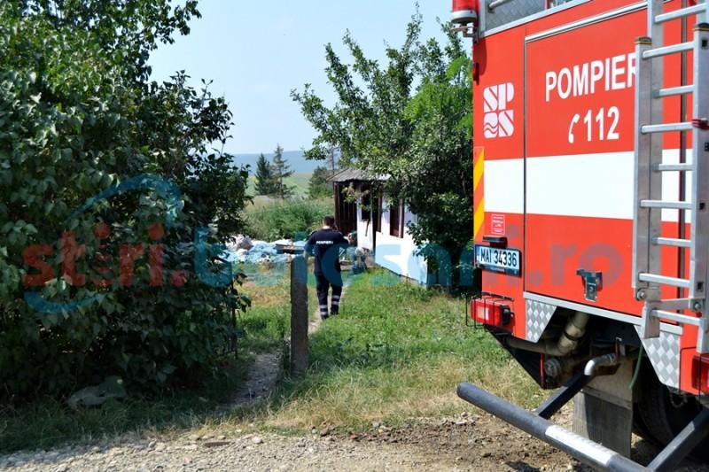 Imobil afectat de un incendiu pornit de la bucătărie FOTO