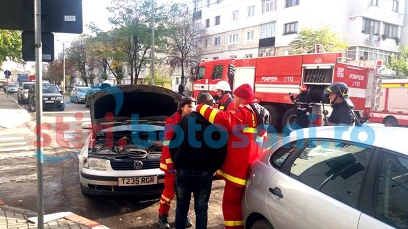 Impact cu trei mașini și un șofer confuz, pe strada Împarat Traian! Pompierii au intervenit pentru prevenirea unui incendiu! FOTO, VIDEO