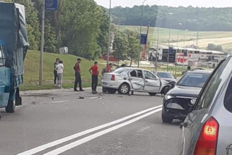 Impact frontal, după ce alcoolul a dirijat un șofer pe contrasens