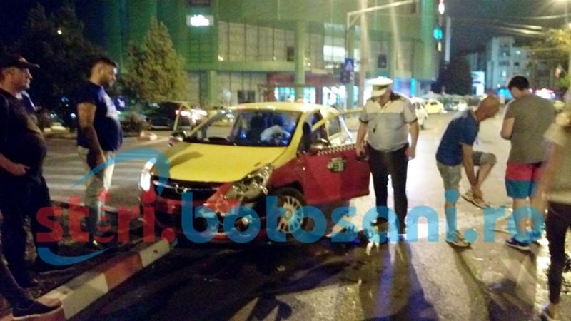 Impact în fața Mall-ului între două mașini! FOTO