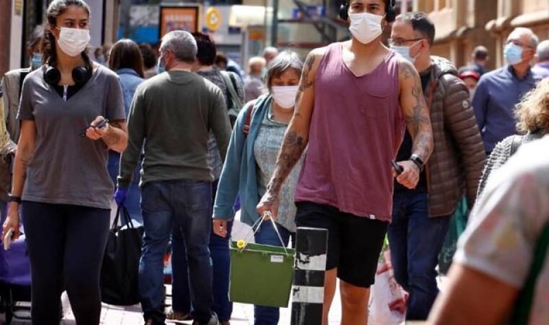 În analiză la Guvern: Masca ar putea deveni obligatorie în spațiile deschise și aglomerate din toată România