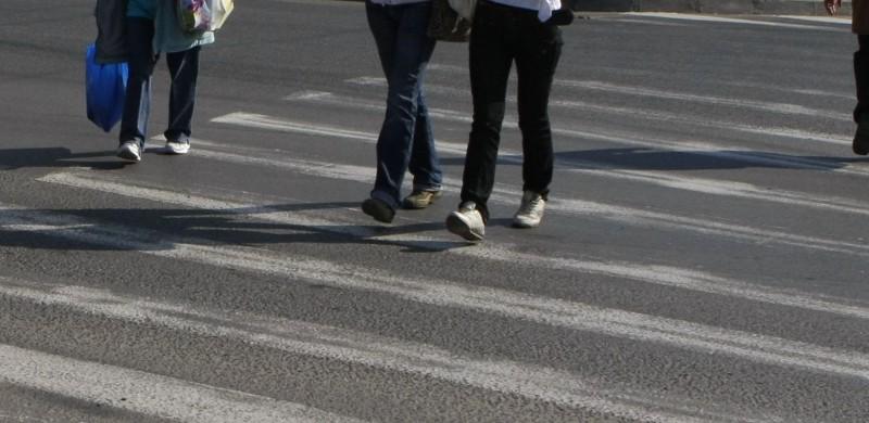 În numai câteva ore, în municipiul Botoșani: 12 șoferi au rămas fără carnet, 12 pietoni sancționați pentru traversare neregulamentară!