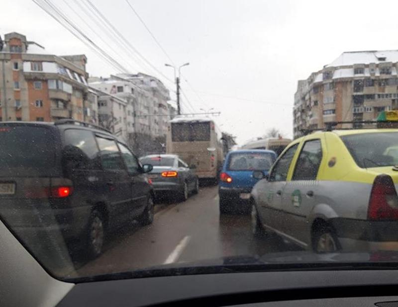 În oglindă: traficul de sărbători şi numărul autovehiculelor care circulă prin Botoşani