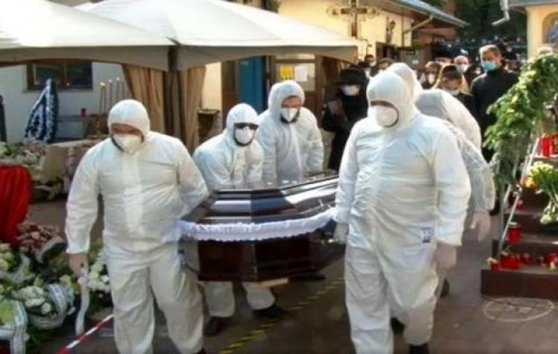 În sfârșit! Cei care și-au pierdut viața în urma infecției cu SARS-CoV-2 pot fi înmormântați conform datinilor creștine