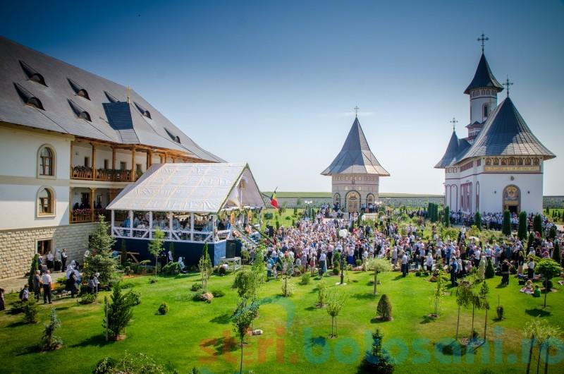 În ziua de 15 august Mănăstirea Zosin își serbează hramul istoric