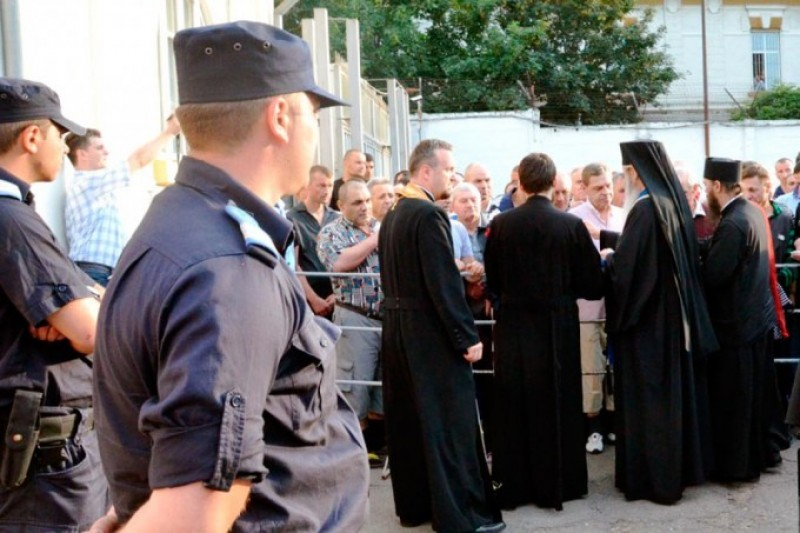 Înalt Preasfinţitul Teofan a săvârşit slujba Vecerniei în Penitenciarul Botoşani
