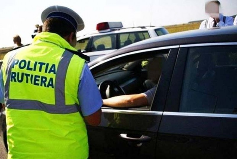 Încă doi șoferi care conduceau sub influenţa alcoolului prinși de poliție!