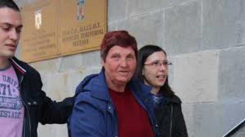 Încarcerată la Botoșani: La 70 de ani, agăţa bărbaţi, îi adormea în camere de hotel şi apoi îi jefuia!