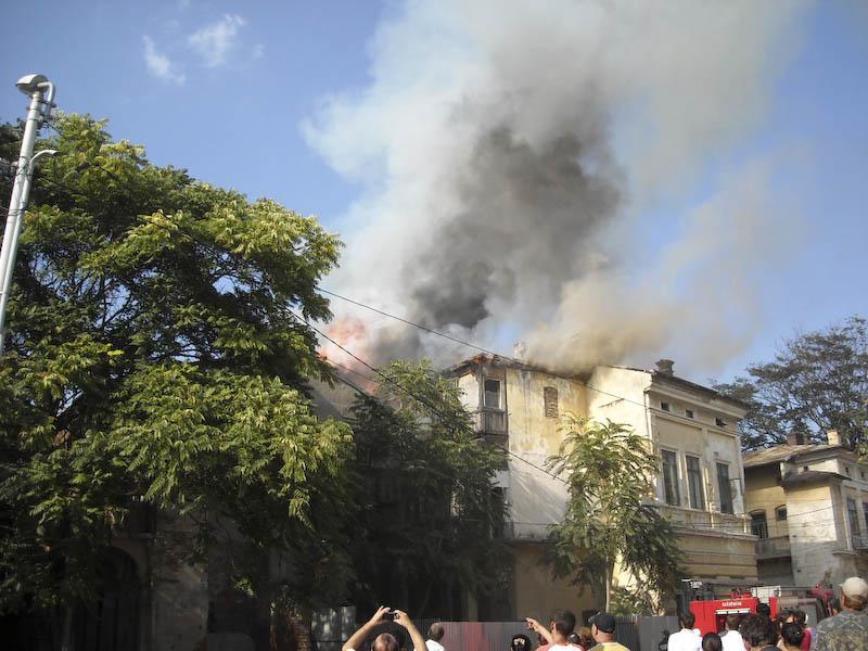 Incendiu in Centrul Vechi! - GALERIE FOTO