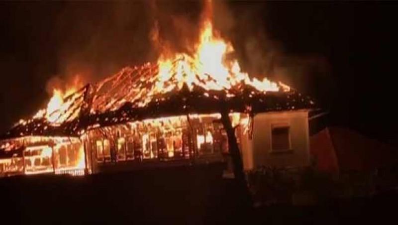 Incendiu în comuna Corni. Proprietarul unei locuinţe, ars de viu