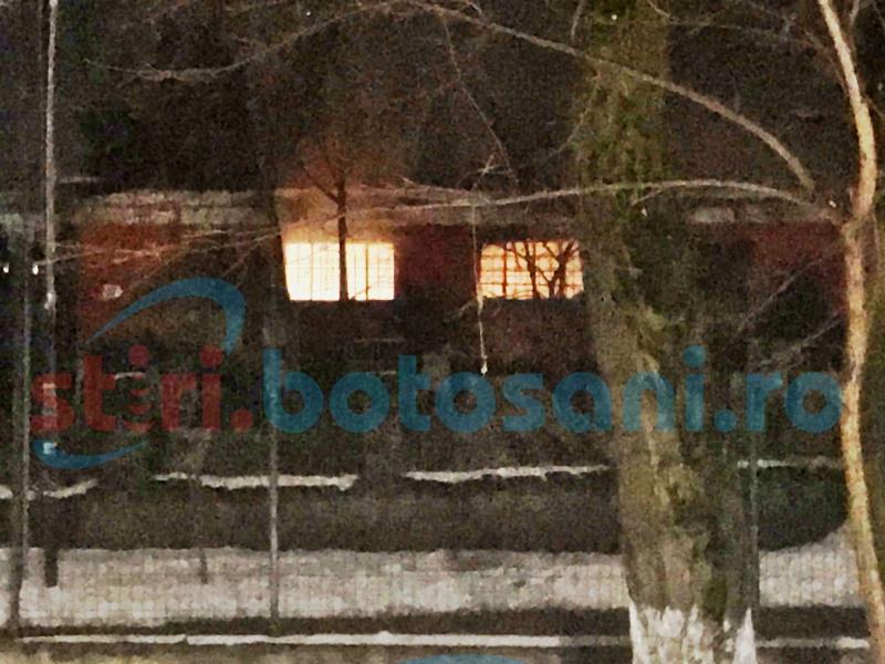 Incendiu într-o clădire de lângă Parcul M. Eminescu! FOTO, VIDEO