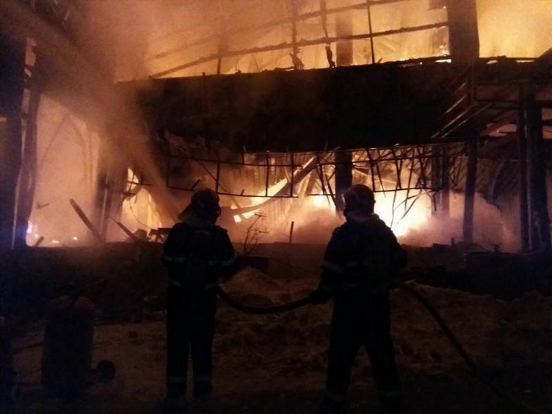 INCENDIU la Clubul Bamboo din Capitală. ISU: 40 de persoane au fost spitalizate! Clubul este complet distrus