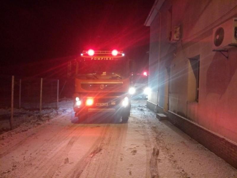 Incendiu la o casă din municipiul Botoşani! Două autospeciale de pompieri au intervenit-FOTO
