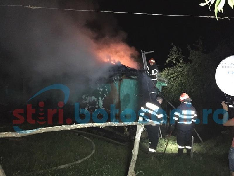 Agoniseală de o viaţă mistuită de un incendiu violent! FOTO