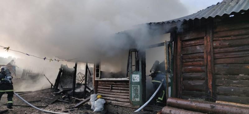 Incendiu puternic într-o gospodărie din județ, cauzat de un cuptor electric