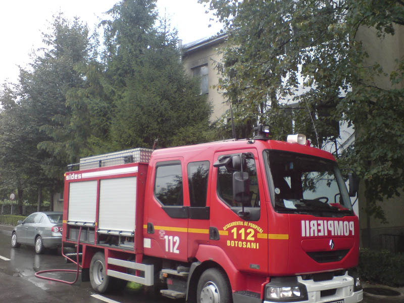 Incendiul de la Protectia Copilului a pornit de la caloriferul din biroul directoarei