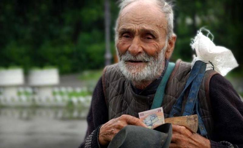 Începând din decembrie, cei mai săraci dintre români vor primi tichete în valoare de 180 de lei pentru o masă caldă gratuită