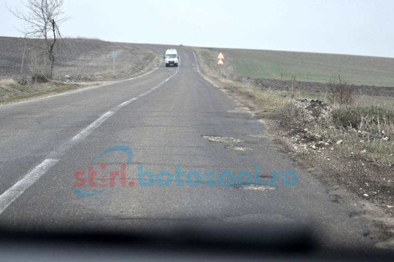 Începe marea asfaltare pe drumul Botoşani-Săveni!