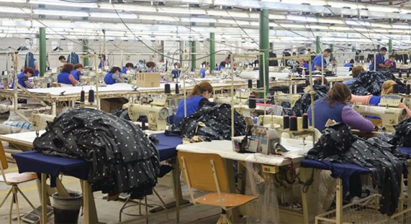 Închidem fabrici și facem hipermarketuri: Rapsodia Conf SA a fost vândută către LIDL!