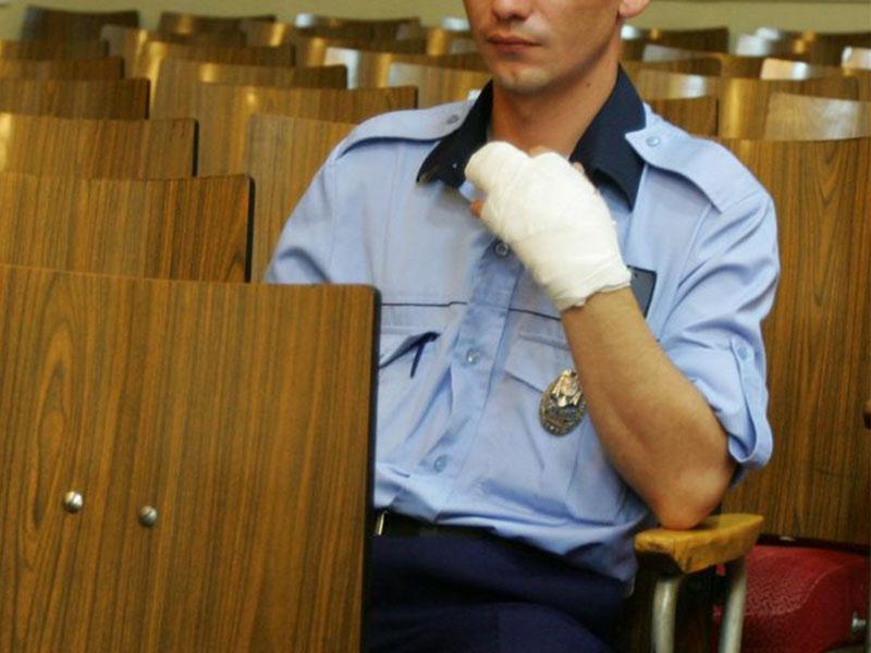 Inchisoare pentru ultraj impotriva politistilor, inchisoare pe viata pentru uciderea unui politist!