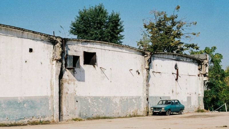 Incredibil ce a reușit să facă un român cu o Dacia veche de 40 de ani!