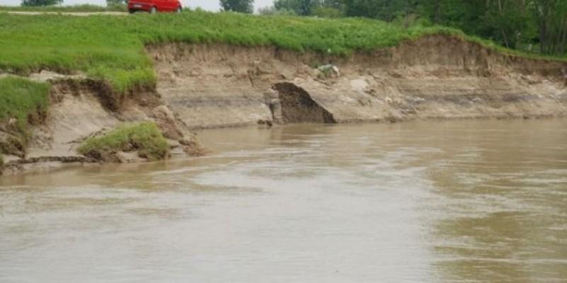 INHGA: Avertizări Cod galben şi Cod portocaliu de inundaţii pe râul Prut, până joi la miezul nopţii