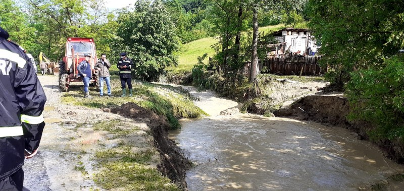 INHGA: Cod galben de inundaţii în bazinele hidrografice Siret şi Prut, până joi dimineaţă