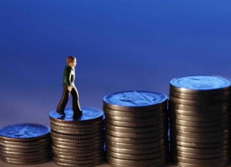 INS: Salariile din administrație, mai mari cu 45% decât cele din Sănătate!
