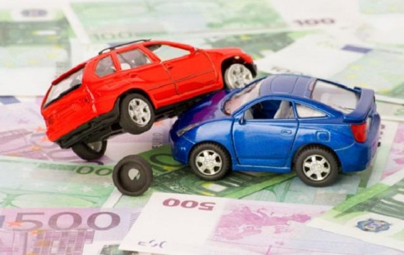 Instanță: Șoferii nu sunt obligați să aibă la ei asigurarea RCA