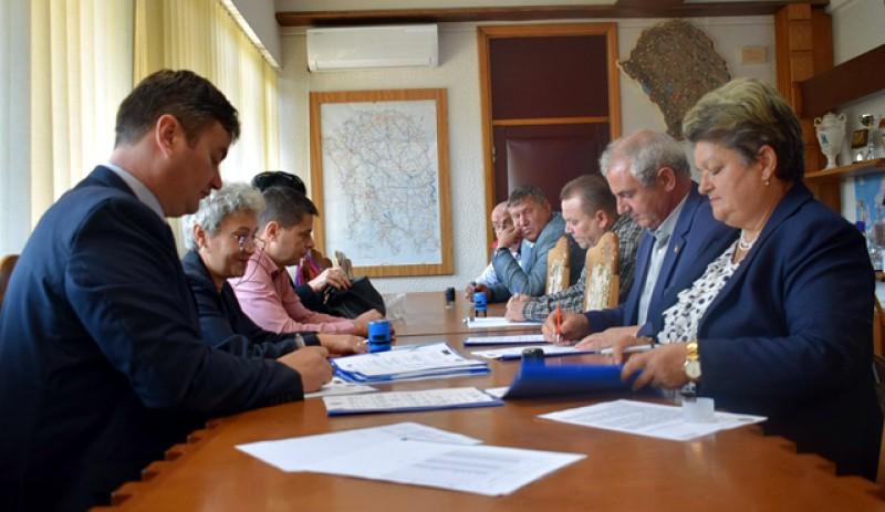 Instituţiile publice şi autorităţile locale de la Botoșani și-au dat mâna pentru sprijinirea persoanelor vulnerabile.