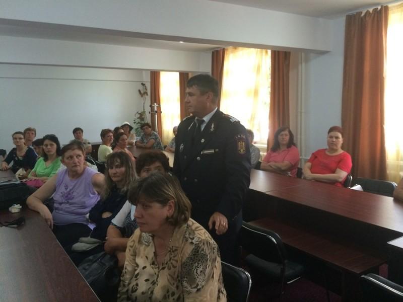 Instructaj din partea ISU Botoșani, în domeniul situaţiilor de urgenţă
