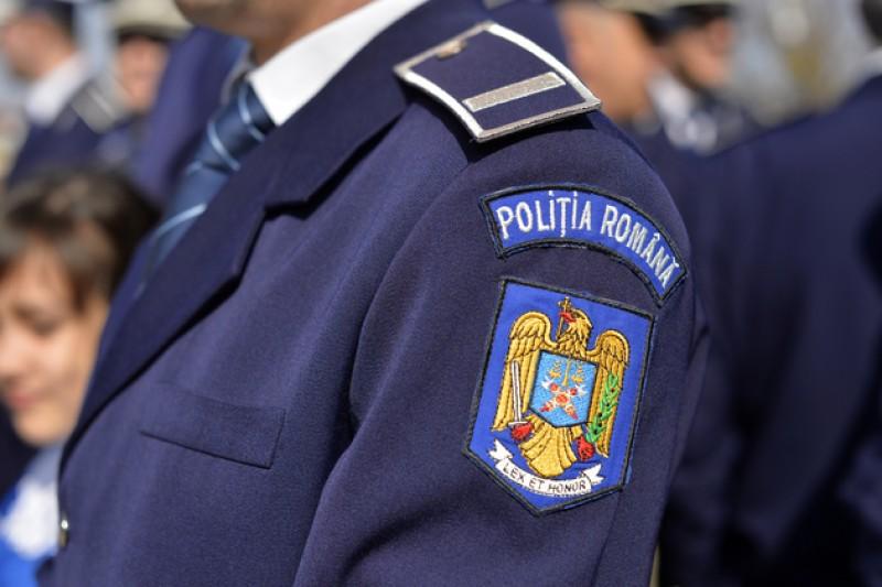 Elevii și profesorii de la un liceu din Botoșani, vizitați de polițiști