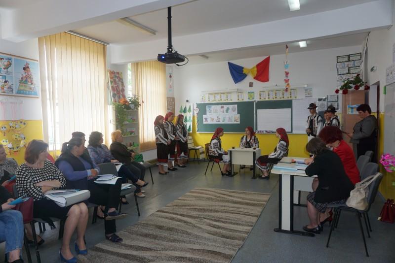 Întâlnire a consilierilor educativi din zona Săveni, la Școala Hănești - FOTO