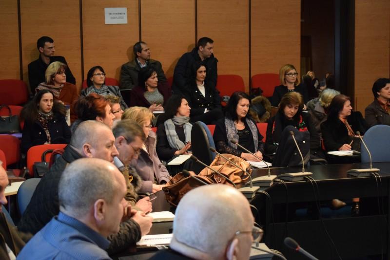 Întâlnire între secretarii unităţilor administrativ- teritoriale şi juriştii Instituţiei Prefectului - FOTO
