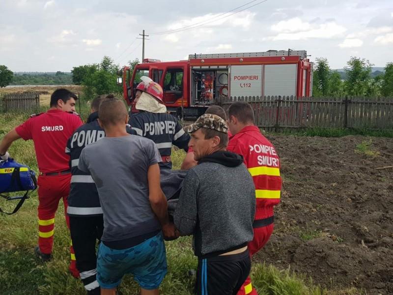 Intervenție a pompierilor botoșăneni: Au salvat o femeie căzută în fântână! FOTO